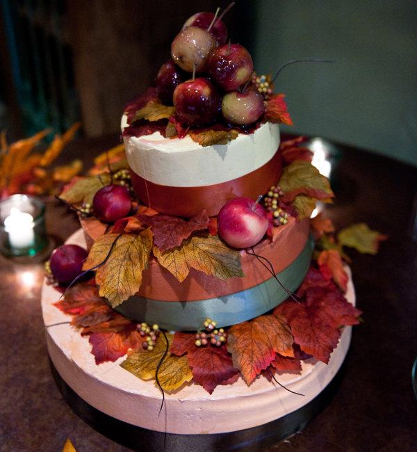 5 wedding cake ideas for fall bridalguide fall wedding cake junglespirit Choice Image