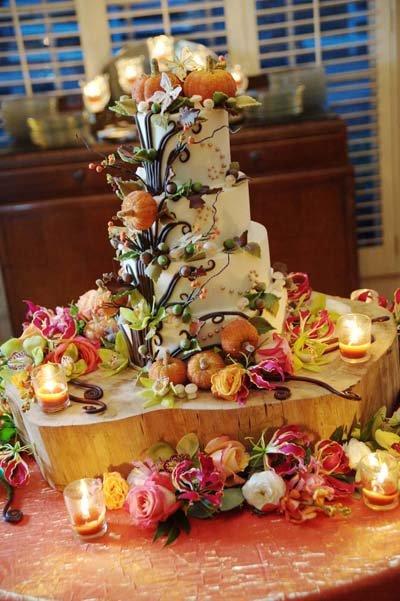 5 wedding cake ideas for fall bridalguide pumpkin patch wedding cake junglespirit Image collections