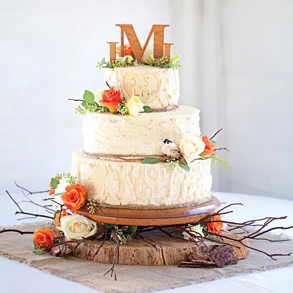 5 wedding cake ideas for fall bridalguide rustic wedding cake junglespirit Choice Image