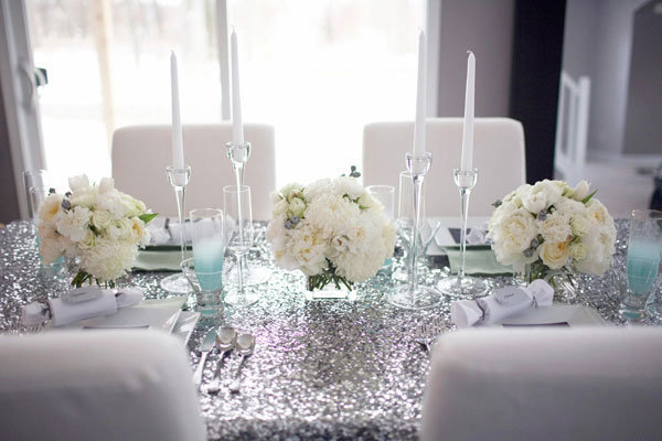 silver sparkle table cloth