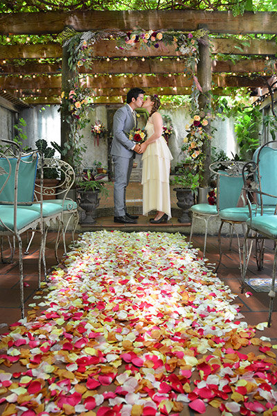Transform your wedding into an enchanted garden bridalguide petal aisle workwithnaturefo