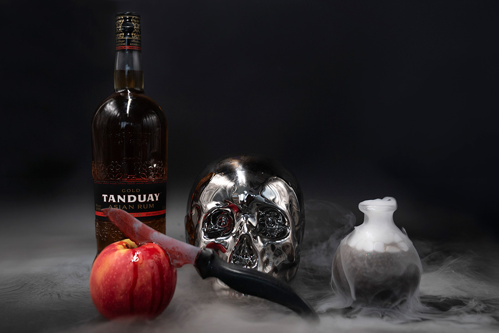 halloween cocktail the poisoned apple