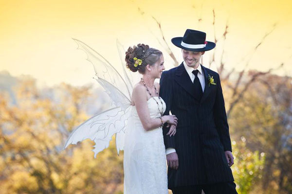 Our Favorite Ideas From Real Halloween Weddings