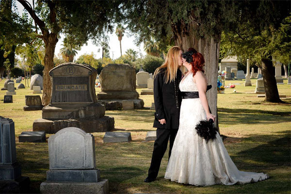 Creepy Or Cool Wedding Photos In A Cemetery