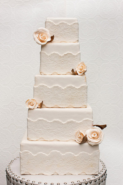 lace cake roses