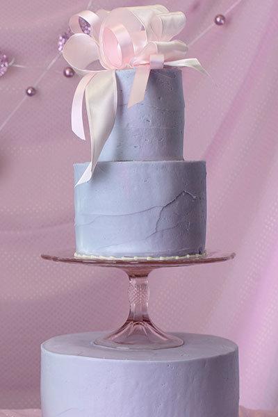 cake stand wedding cake
