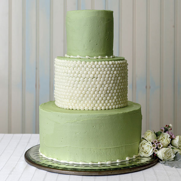 strung pearls wedding cake