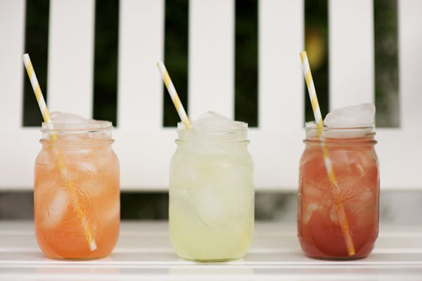 drinks in mason jars