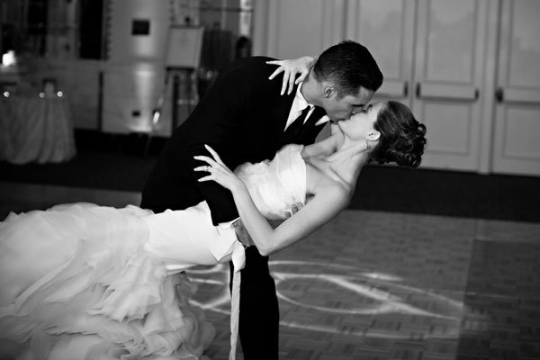 The Most Romantic First Dance Songs Scratch Weddings