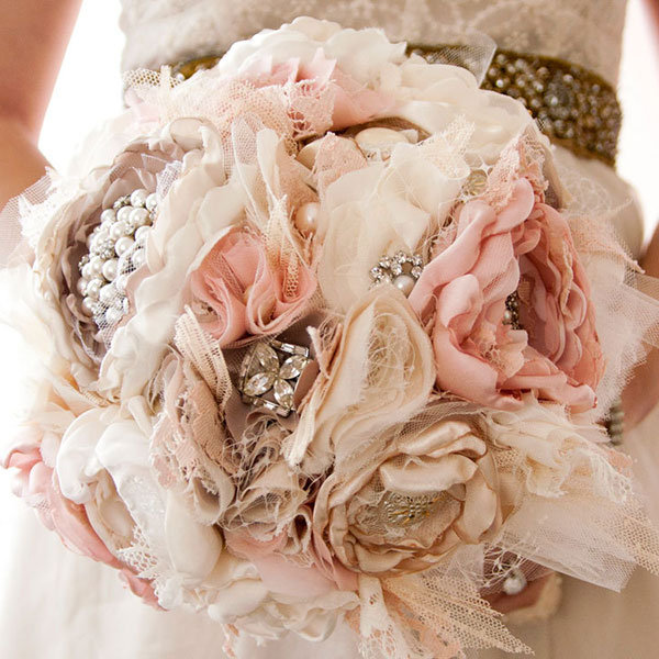 Making Fabric Flowers Wedding: 10 Non-Floral Bouquets For Winter Weddings