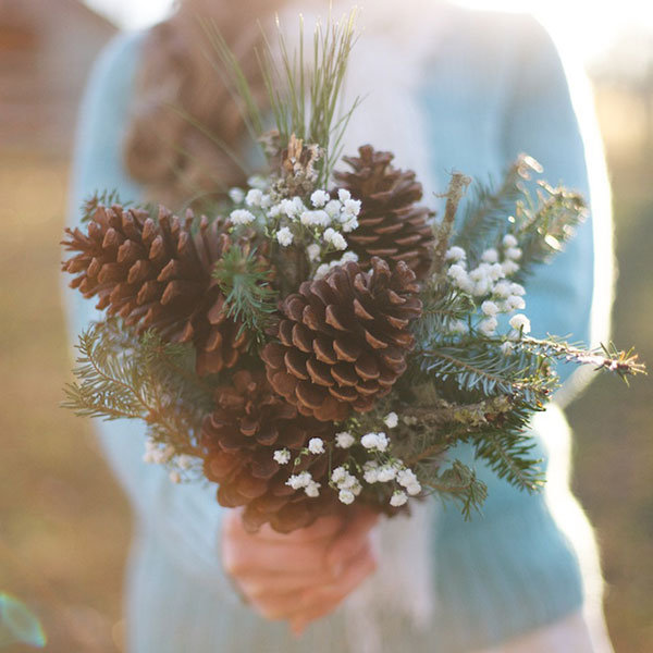 10 Non Floral Bouquets For Winter Weddings
