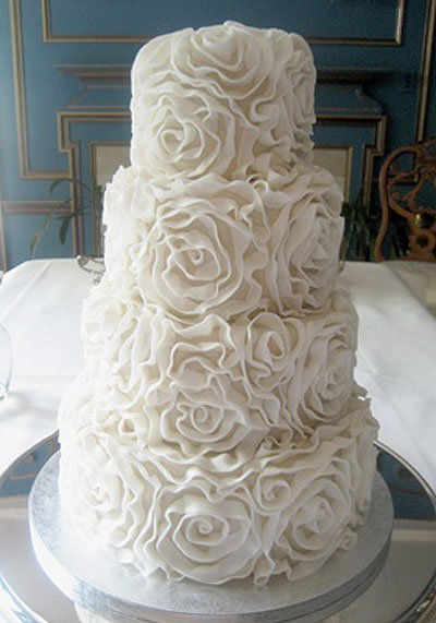 Cake by West Side Bakery /photo via todaysbride.com