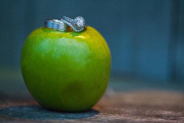 wedding rings on apple
