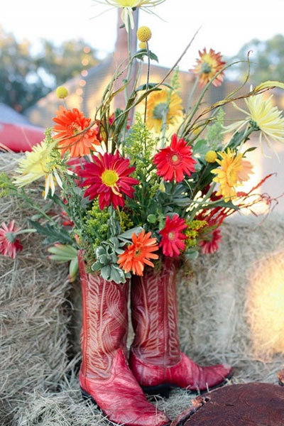 Top 10 flowers for spring weddings bridalguide gerbera daisies wedding centerpiece mightylinksfo Image collections