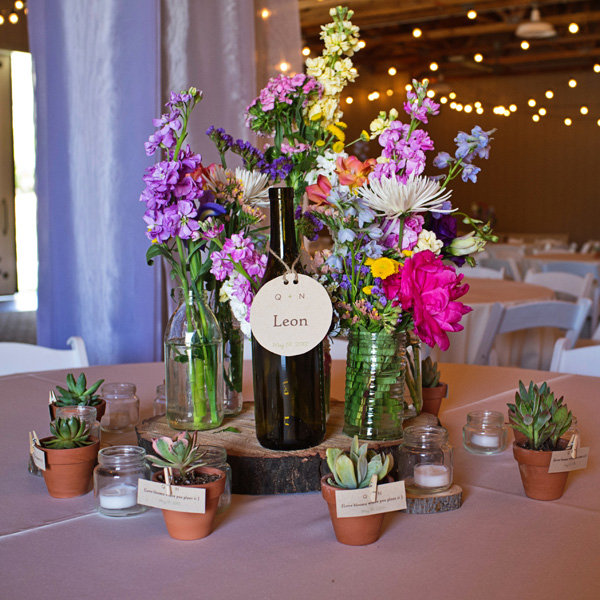 centerpiece with succulent favors