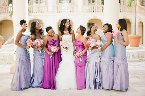 For A Mismatched Bridal Party Use One Color In Diffe Hues Like These Gorgeous Leading Las