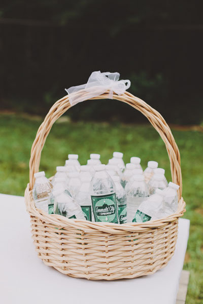 Wedding Basket Ideas For Bridal : Must-Haves for an Outdoor Wedding BridalGuide