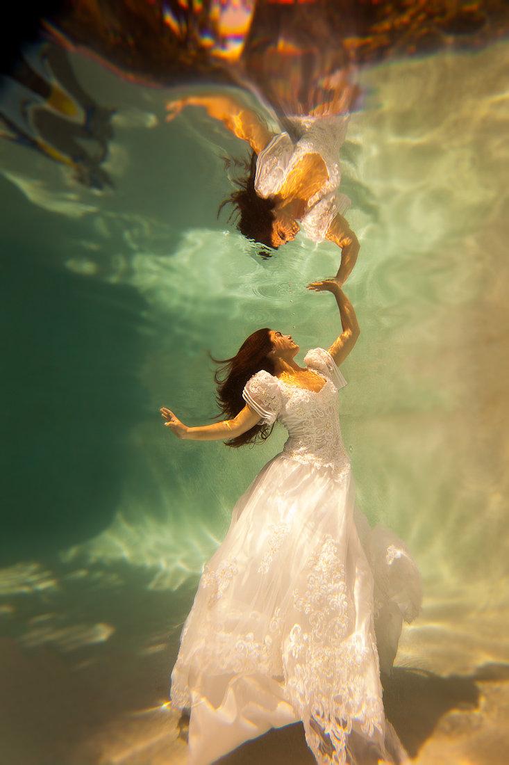 Incredible Underwater Trash The Dress Photos Bridalguide