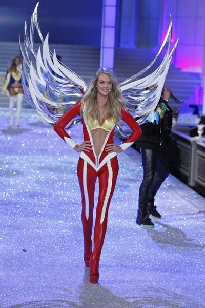 Fantasy Fashion Show on Victoria Secret Fashion Show   Wedding Planning  Ideas   Etiquette