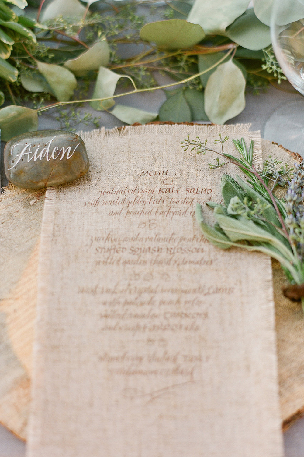 10 Ideas for a Chic Country-Themed Wedding | BridalGuide