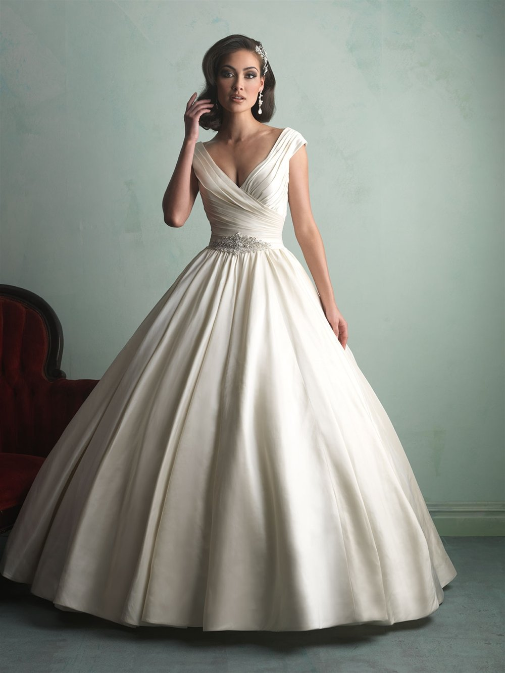 Best website for wedding dresses : The most popular wedding gowns of bridalguide