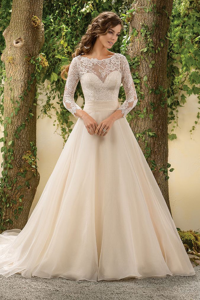 The 25 Most Popular Wedding Gowns of 2015 | BridalGuide - photo #16