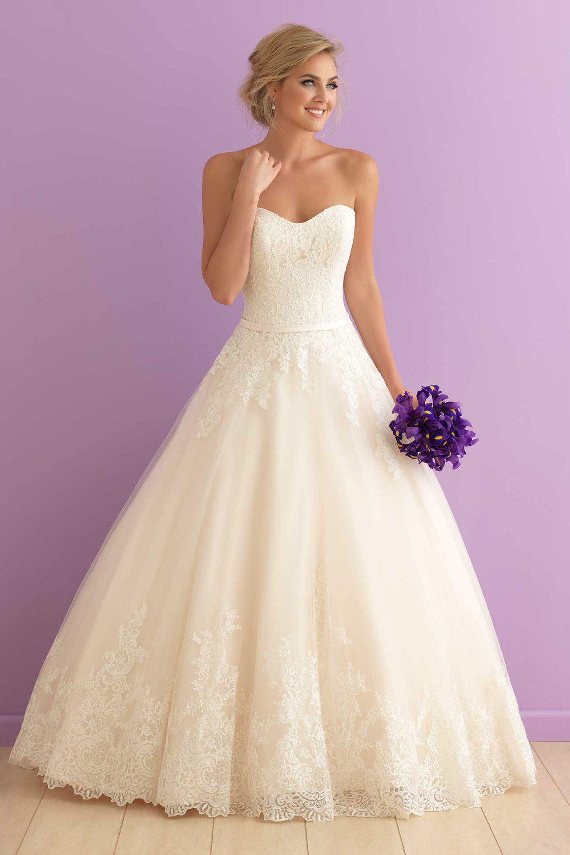 The 25 most popular wedding gowns of 2015 bridalguide for Romantic wedding dress designers