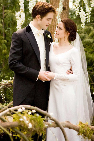 twilight bella wedding dress edward