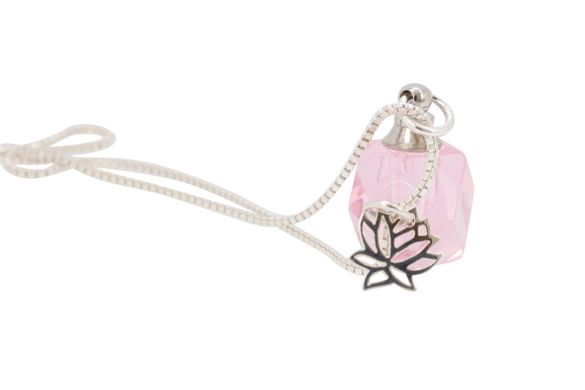 zoe and piper pink crystal necklace