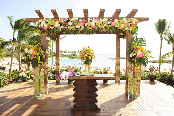 Traditional Wedding Gifts Hawaii : And check out the petal-strewn aisle runner and the exotic blooms at ...
