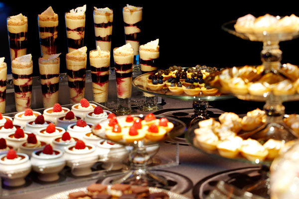 Wedding Sweet Tables Dessert Station Themes Tips Fruits: Double-Duty Treat