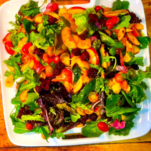 nectarine salad with cherry tomatoes and mint dressing