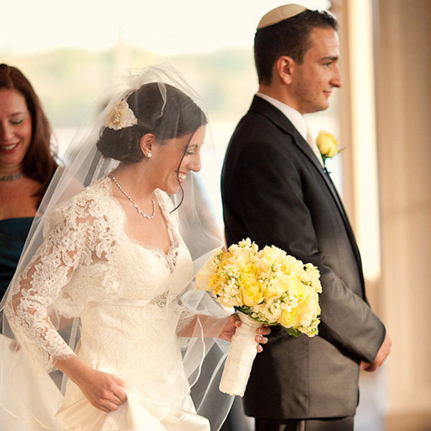 Modern twists on popular jewish wedding traditions for Ancient jewish wedding dress