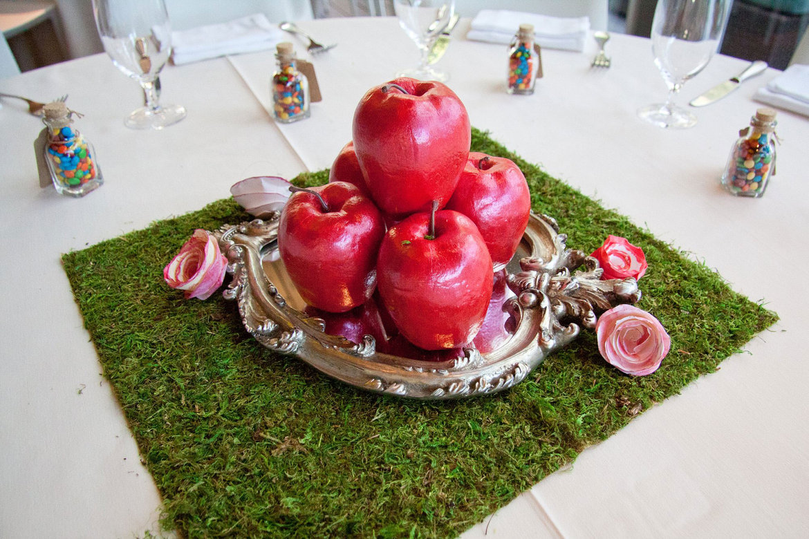 snow white  disney wedding centerpiece