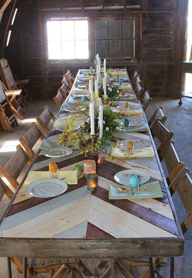 vintage barn wedding table