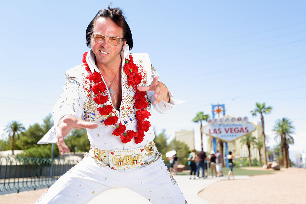 elvis impersonator at wedding