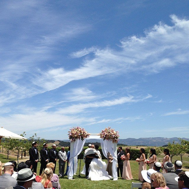 How to Choose Your Wedding Hashtag | BridalGuide