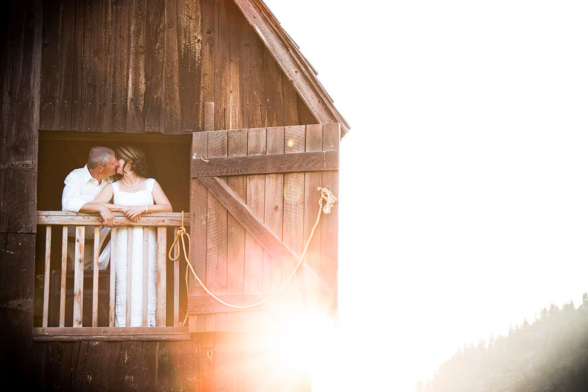 Natural Light Wedding Photography: 5 Gorgeous Photography Styles To Consider For Your Wedding