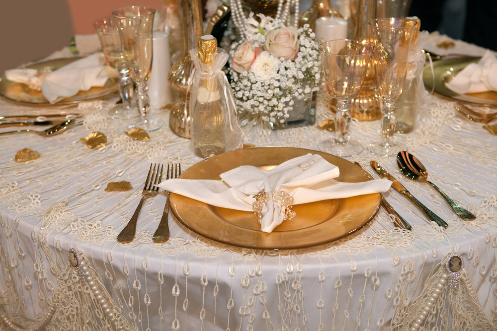 15 wedding ideas we 39 re loving for 2015 bridalguide for Decor gold blog