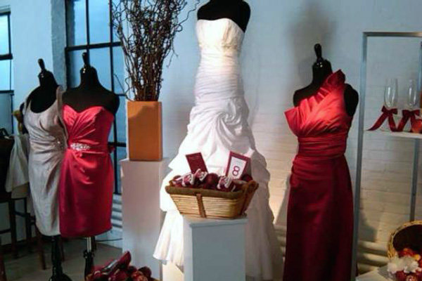 bridalguidemag Fab Apple red color for maids from David 39s Bridal