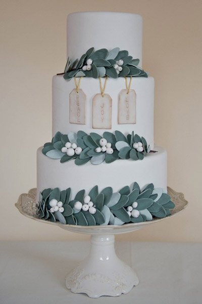mistletoe wedding cake winter wedding