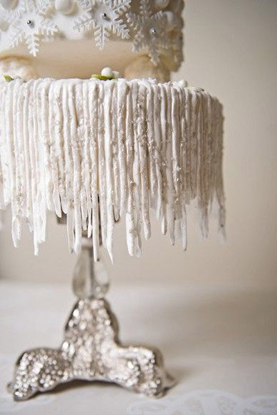 icicle wedding cake winter wedding