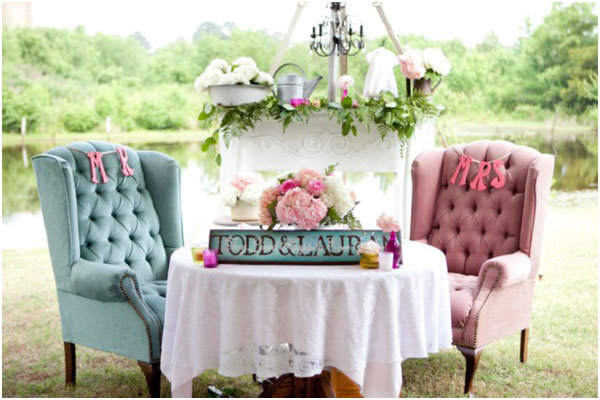 comfy sweetheart table