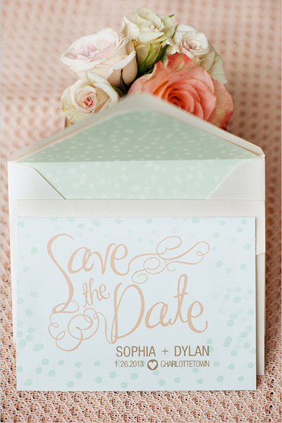7 Steps for Setting a Wedding Date | BridalGuide