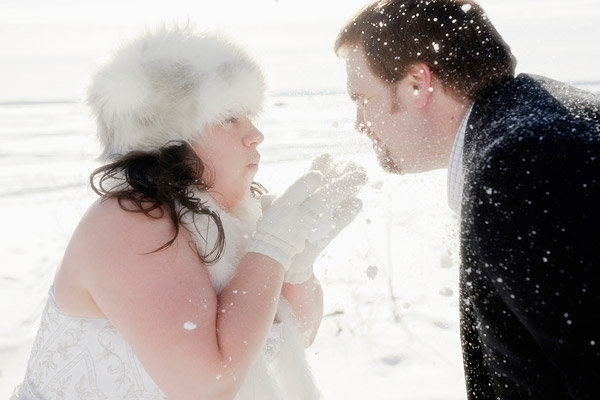 trash the dress photo shoot in the snow