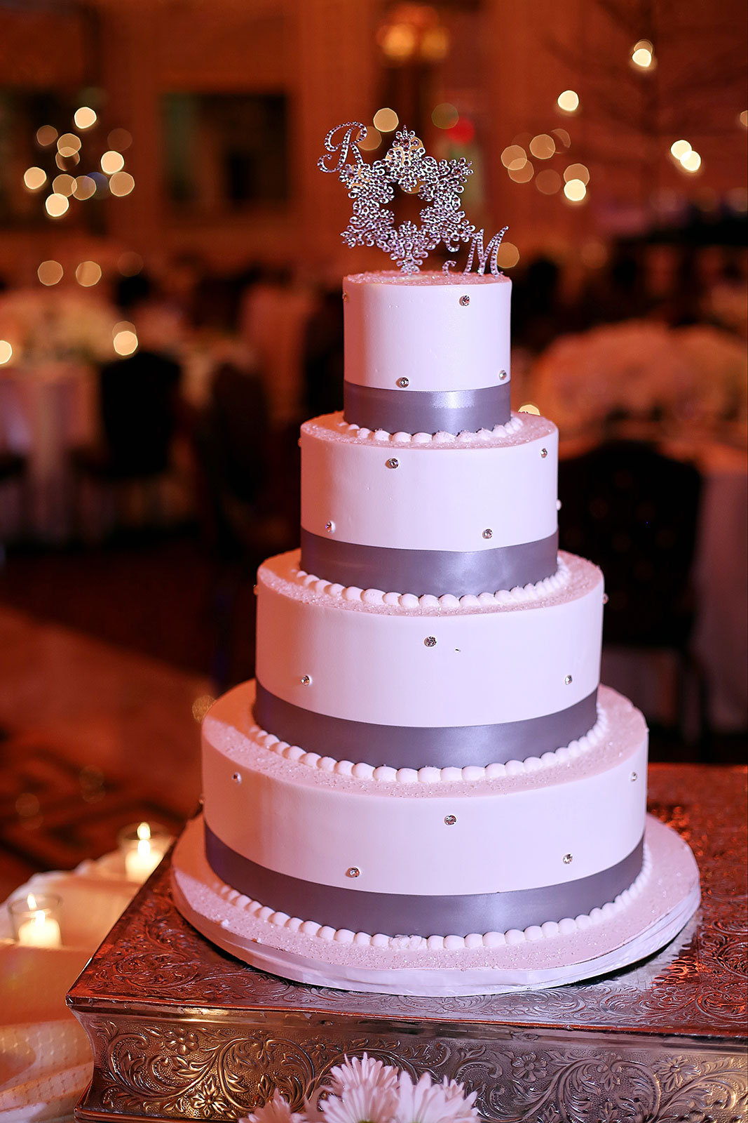 wedding cake reality tv show what it s really like being on a wedding tv show bridalguide 23596