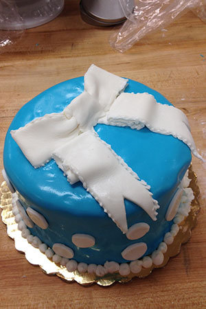 breakfast at tiffanys cake