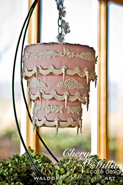 upside down wedding cake trend we gravity defying wedding cakes bridalguide 21504
