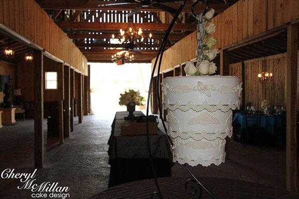 Trend We Love Gravity Defying Wedding Cakes Bridalguide