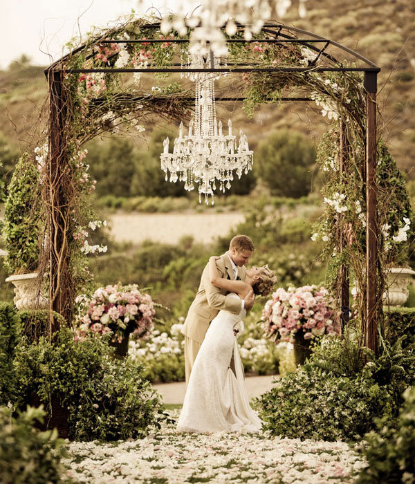25 Share-Worthy Wedding Photos | Wedding Planning, Ideas ...